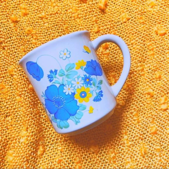 ⭐️BOGO VTG 70s Boho Floral Mug